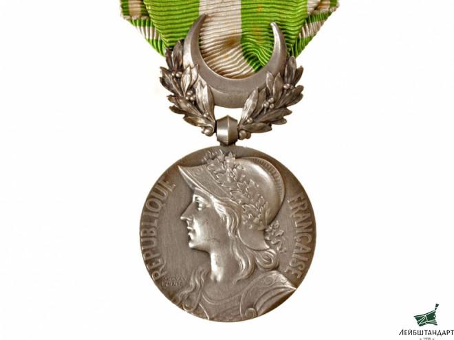 Медаль участников боевых действий в Марокко, Франция: https://antikvariat.ru/military/2900/103309/